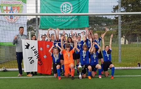 B-Mädchen des SV Gehlert holen Rheinlandpokal