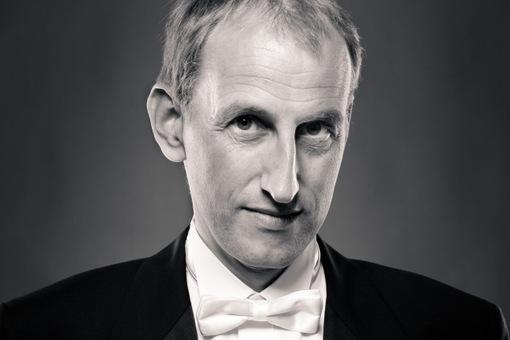Klavier-Solorezital mit Wiener Klavierprofessor Klaus Sticken