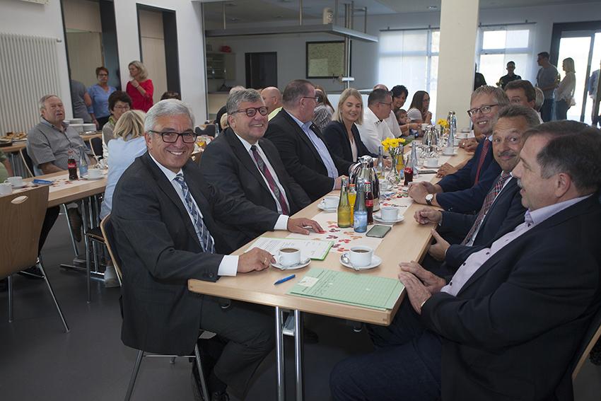 Minister Lewentz überbrachte Sonderpreis nach Oberraden