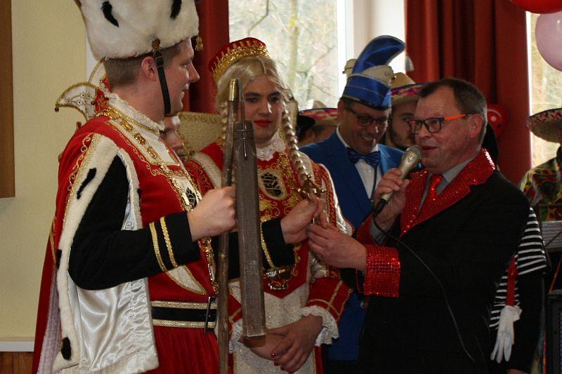 Ortsb�rgermeister Wolfgang W�rden wurde offiziell entmachtet