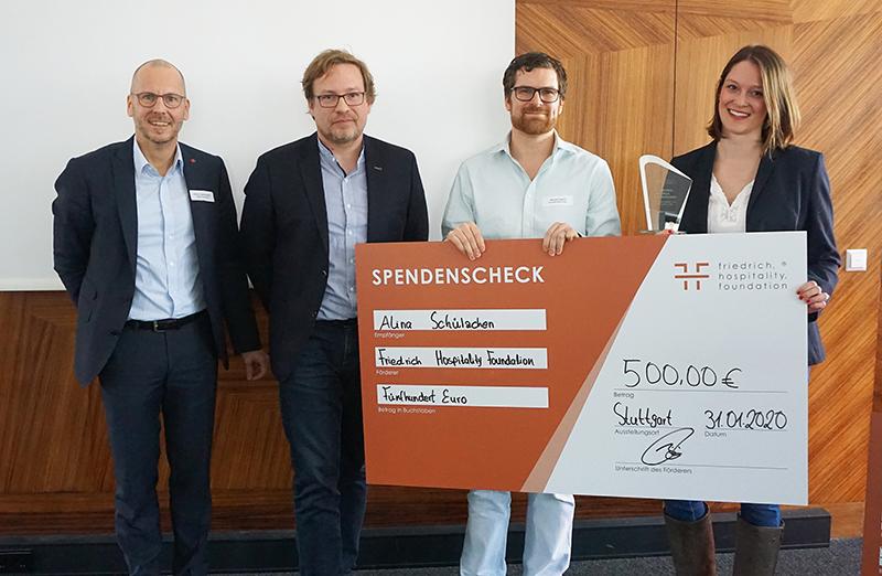 Alina Schülzchen aus Windhagen wird beim Ravensburger Tourismustag ausgezeichnet
