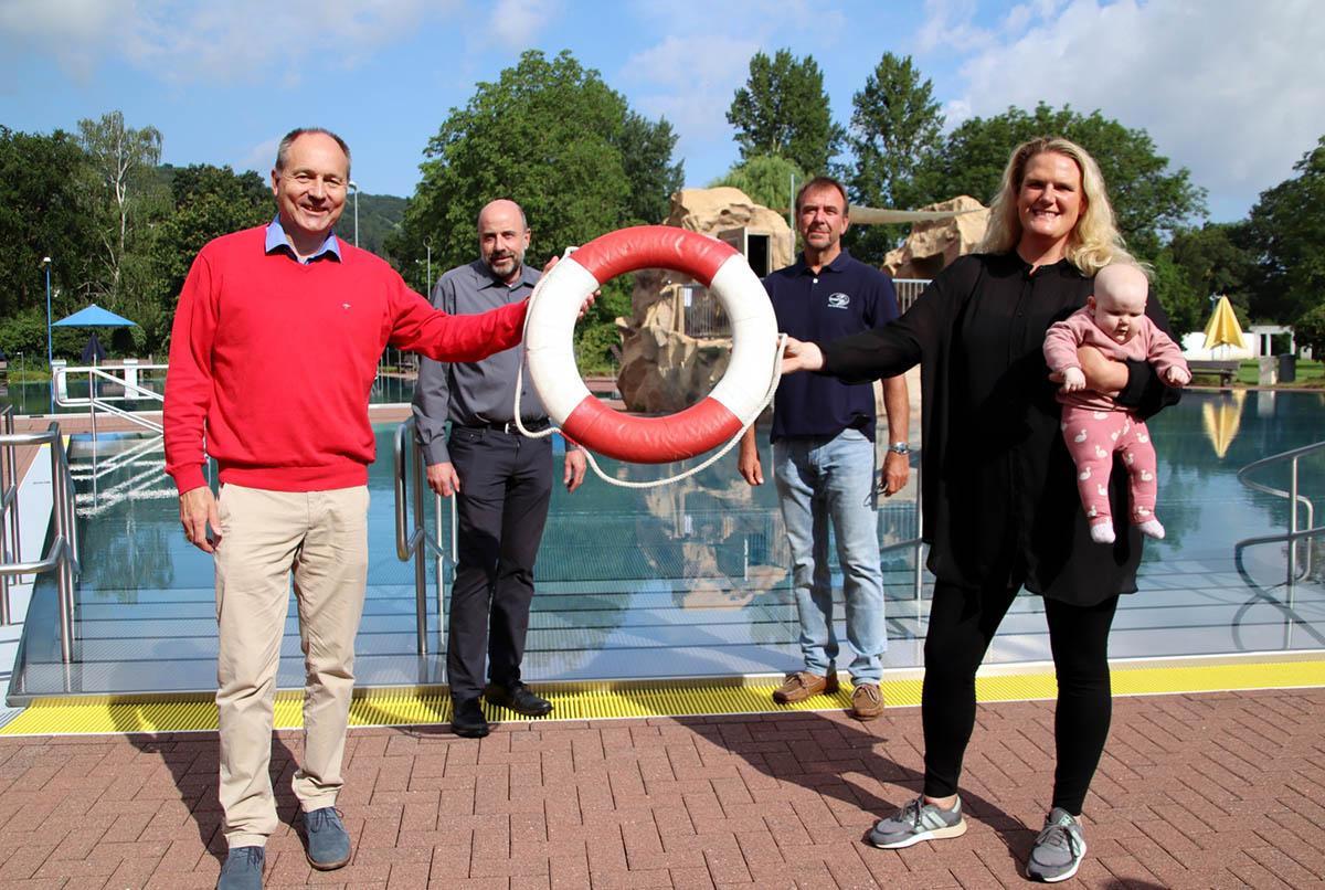 Bündnis für Familie organisiert Schwimmkurse im Freizeitbad Grafenwerth
