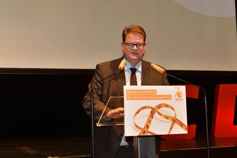 MdL Ralf Seekatz bei der Antragsbegründung auf dem Landesparteitag. Foto: CDU