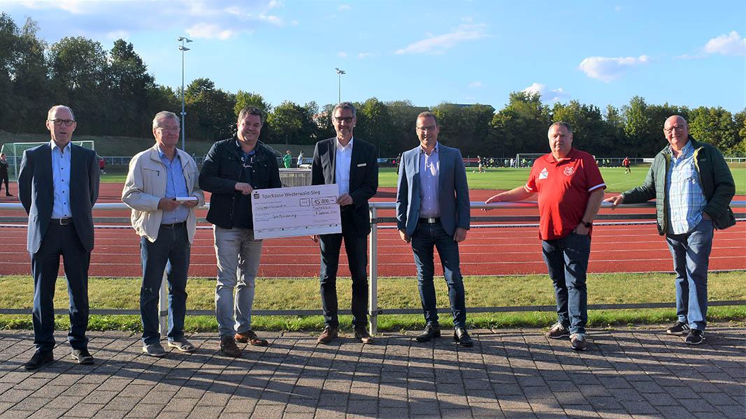 Sparkasse Westerwald-Sieg spendete für Wäller Fußballvereine