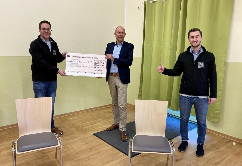 Musikverein Dermbach freut sich über eine großzügige Spende