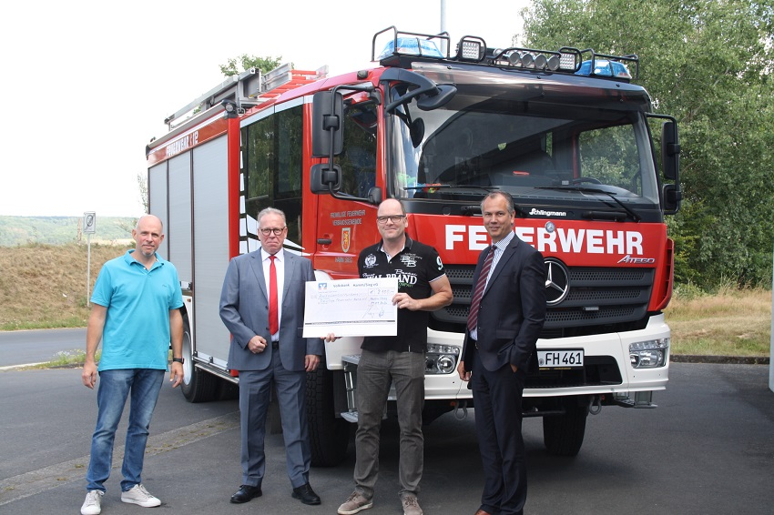 Spende für den Förderverein der Feuerwehr Hamm/Sieg