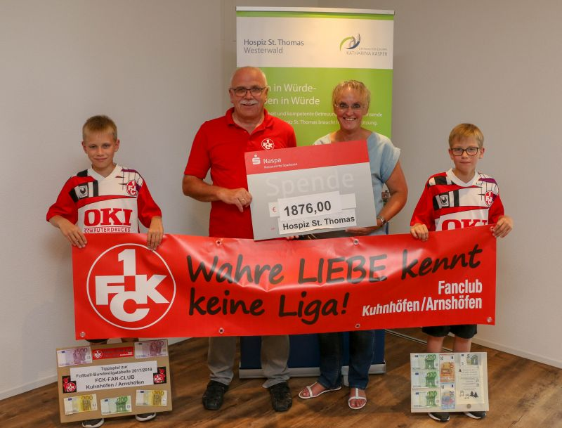 FCK-Fan-Club Kuhnhöfen/Arnshöfen spendet an Hospiz St. Thomas