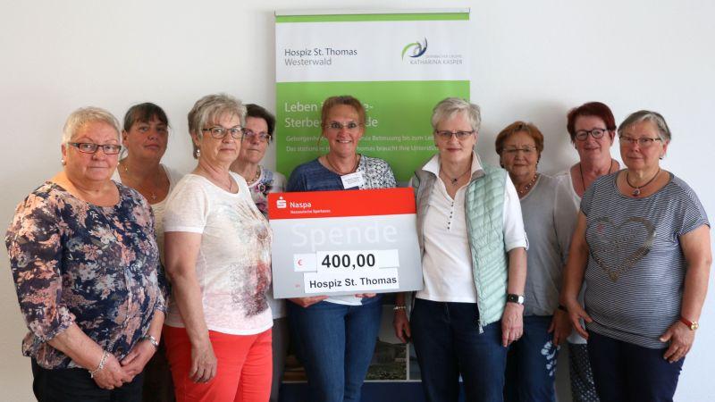 Partyfrauen aus Giesenhausen spenden an Hospiz St. Thomas