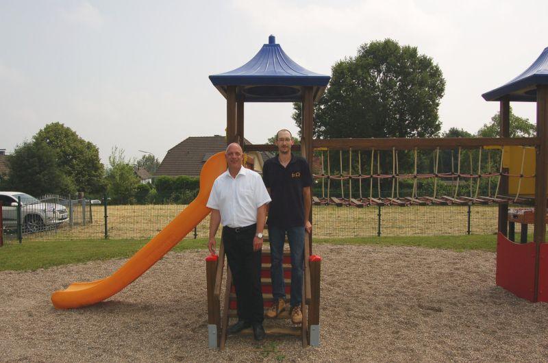Spielplatz in Windhagen-Stockhausen erstrahlt in neuem Glanz