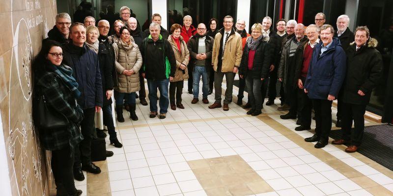 Der Sportkreisvorstand Westerwald und die Mitglieder der CDU-Kreistagsfraktion informierten sich über den Stand der Generalsanierung der Sporthalle in Marienstatt. Foto: privat
