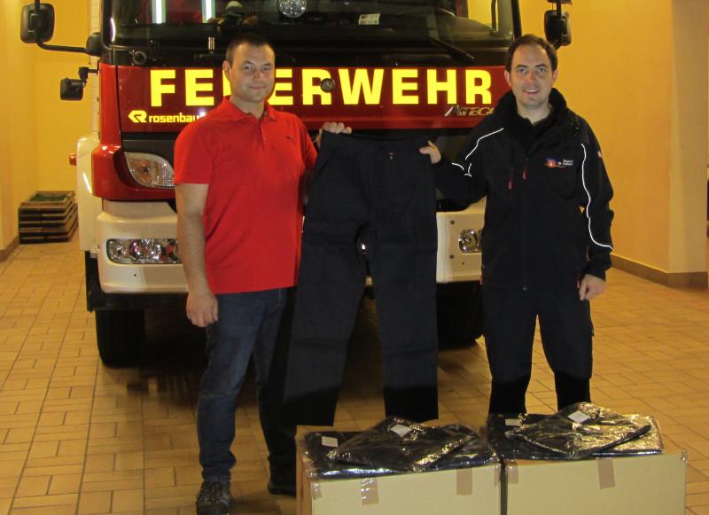 Neue Bundhosen für die Feuerwehr St. Katharinen