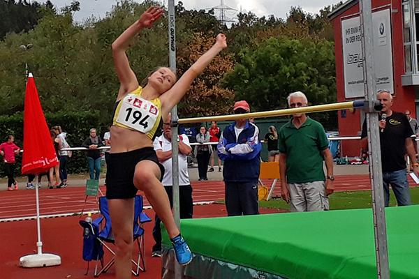 Marie Böckmann verbessert ihren Hochsprungrekord