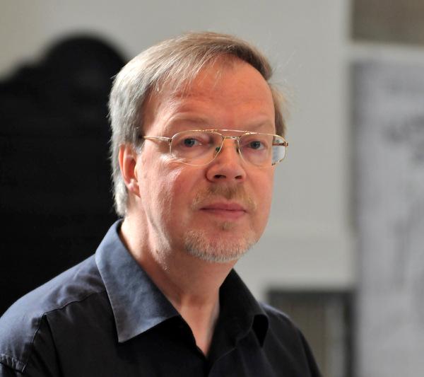 Kirchenmusikdirektor Ulrich Stötzel wird verabschiedet. (Foto: Bach-Chor Siegen)