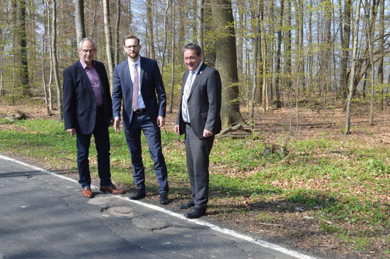 Der Weg nach Gackenbach führt über holprige Straßen