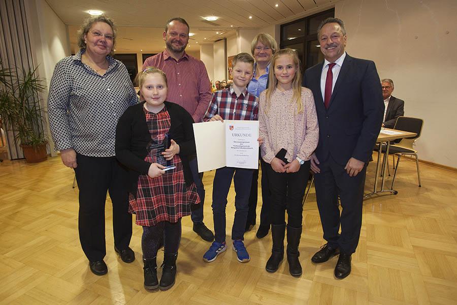 Grundschule Straßenhaus erhielt Ehrenamtspreis