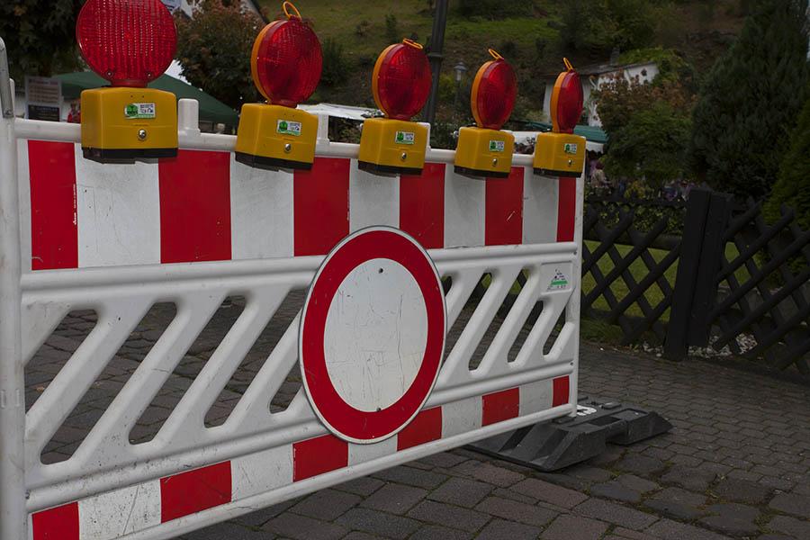 Verkehrsbeschr�nkung wegen Tunnelwartung auf B 256 Umgehung Rengsdorf