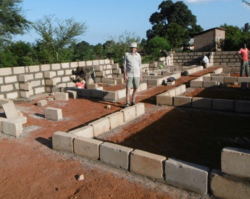 """Haus Westerwald"": Mogendorfer baut Internat in Tansania"