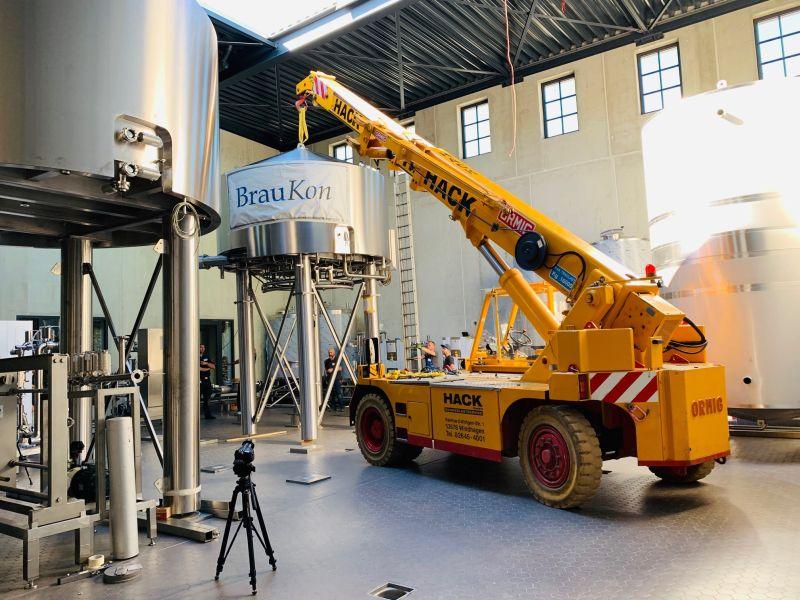 Neue Sudanlage wird in der Westerwald-Brauerei montiert