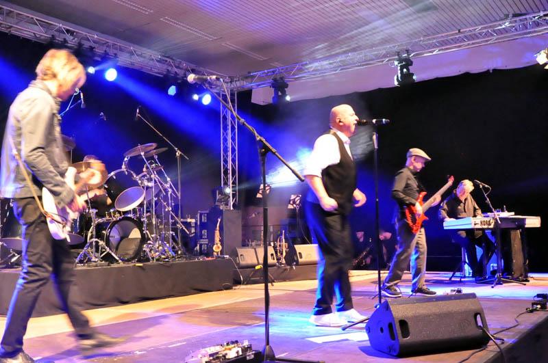 Phil-Collins-Show begeisterte das Publikum in Neitersen