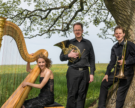 """Emilie Jaulmes, Michael Nassauer und Matthias Nassauer sind das """"Trio Glissando"""". Am am 27. Mai spielen sie in der Birnbacher Kirche. (Foto: Veranstalter)"""
