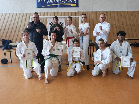 Erfolgreiche G�rtelpr�fung der Taekwondo-Supersonics in Wallmenroth