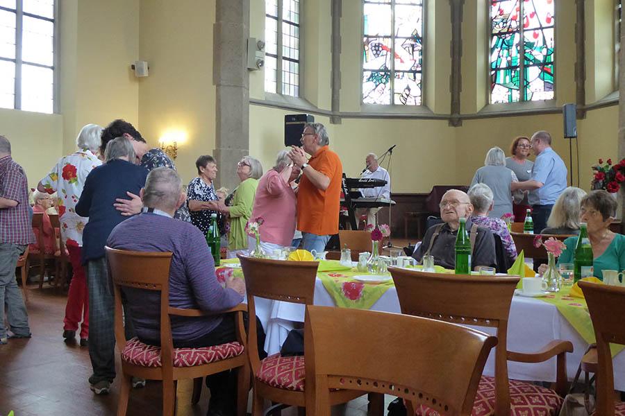 Tanztee in der Senioren-Residenz Sankt Antonius begeistert