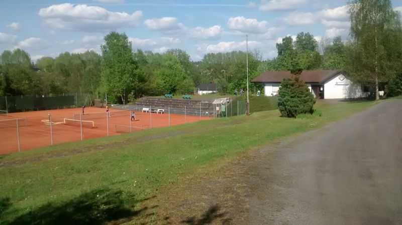 Gro es lob f r ehrenamtliches engagement bei tus tennis Burg hachenburg