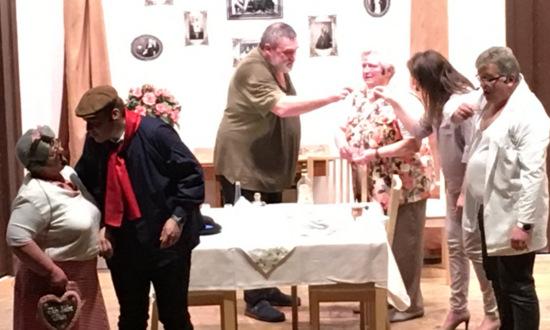 Musik trifft Theater: �Das Schwiegermonster� in Daaden