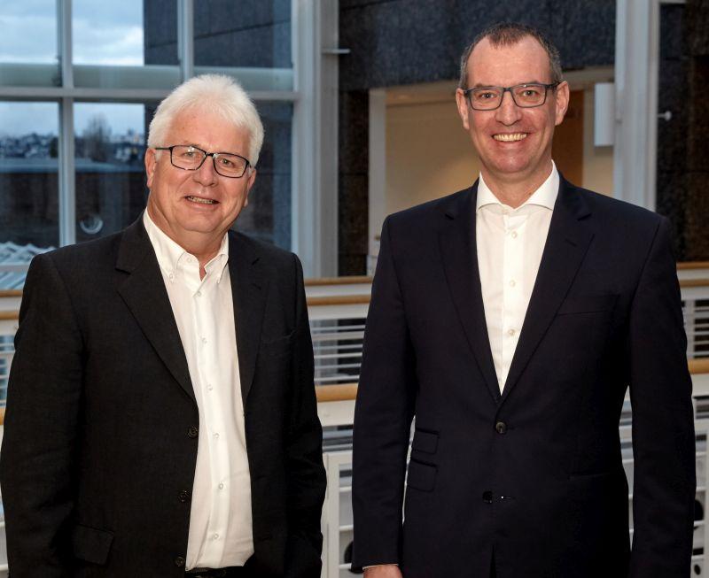 Gerd Thewalt (links) übergibt die Geschäftsführung der Gasversorgung an Jörg Schneider. Foto: privat