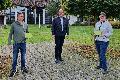 Verzehrgutscheine aus Ideenwettbewerb Ortsgemeinde Windhagen übergeben