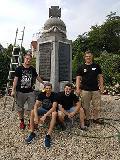 Burschenverein Meinborn reinigt Gedenkstein