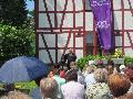 Mehr als 100 Besucher feierten Gottesdienst am neuen Außenaltar