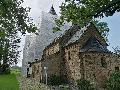 Kircheiber Kirche à la Christo und Jeanne-Claude verhüllt