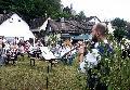 Selbach feiert mit Messe auf dem Dorfplatz Premiere