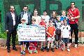 Raiffeisenbank Neustadt spendet für Jugendarbeit TCK Anhausen