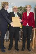Konrad Adenauer Gedenkplakette an Dr. Theo Zwanziger verliehen