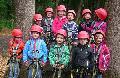 Mutige Vorschulkinder aus Pracht im Kletterwald