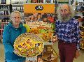 """""""Aktion Schutzengel"""": Weltladen Betzdorf ruft zum Kauf von Mangoprodukten auf"""