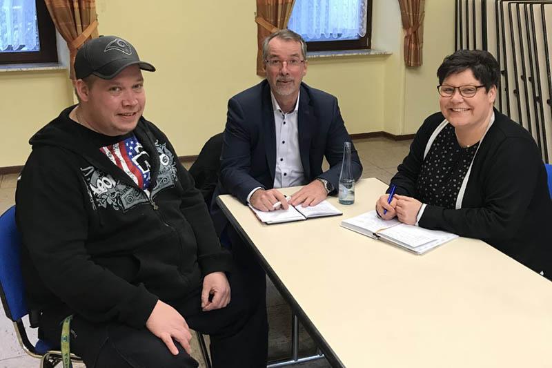 Lefkowitz im Gespräch mit Segendorfer Ortsvorsteherin Welker