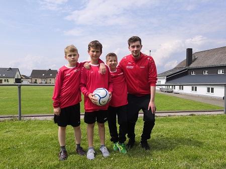 Für den VfL spielten: Till Naber, Noah Höse und Tobias Rathmer (Foto: VfL Kirchen)