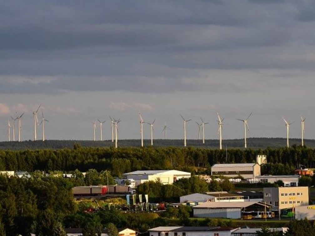 VG Altenkirchen-Flammersfeld: Erste Annäherung an Windkraft und Fotovoltaik