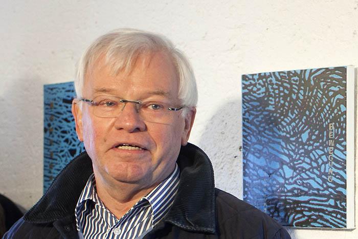 Der Dierdorfer Künstler Ulrich Christian stellt im Roentgen-Museum aus. Foto: Wolfgang Tischler