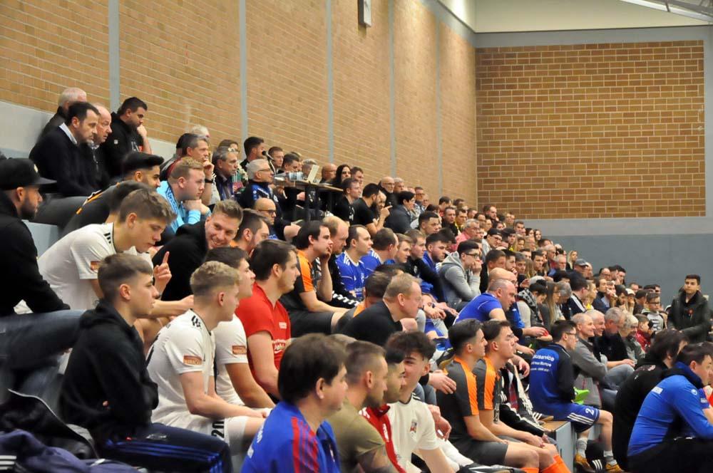 Viele Zuschauer kamen in die Halle. (Fotos: kkö)