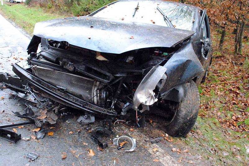 Drei Schwerverletzte bei Unfall zwischen Raubach und Elgert auf K 135