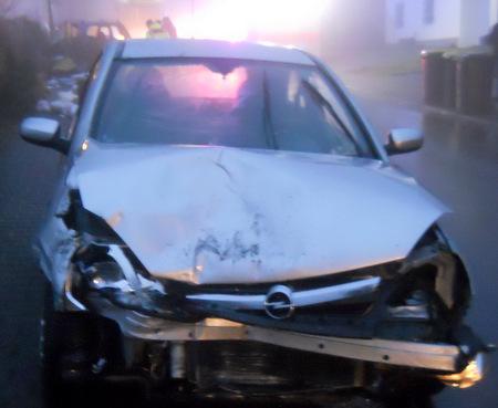 Am Fahrzeug des Unfallverursachers wie an dem PKW der Geschädigten entstand Totalschaden (Foto: Polizeiwache Wissen)
