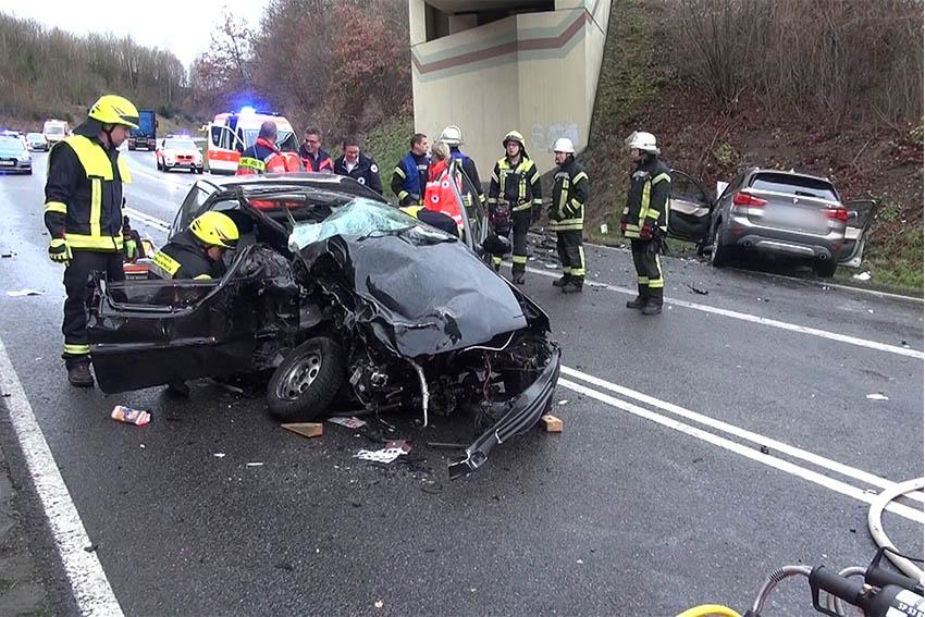 Unfall mit drei Schwerverletzten auf Umgehungsstraße Westerburg
