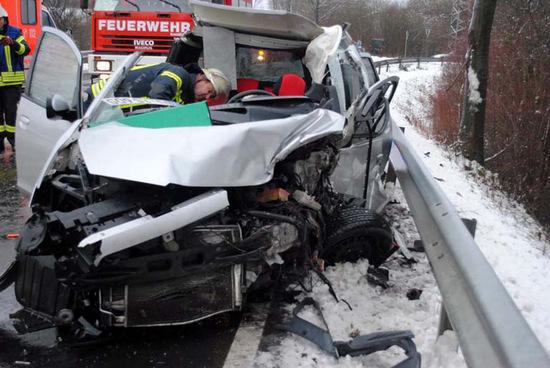 Unfall nahe Windeck: 25-J�hriger verstorben