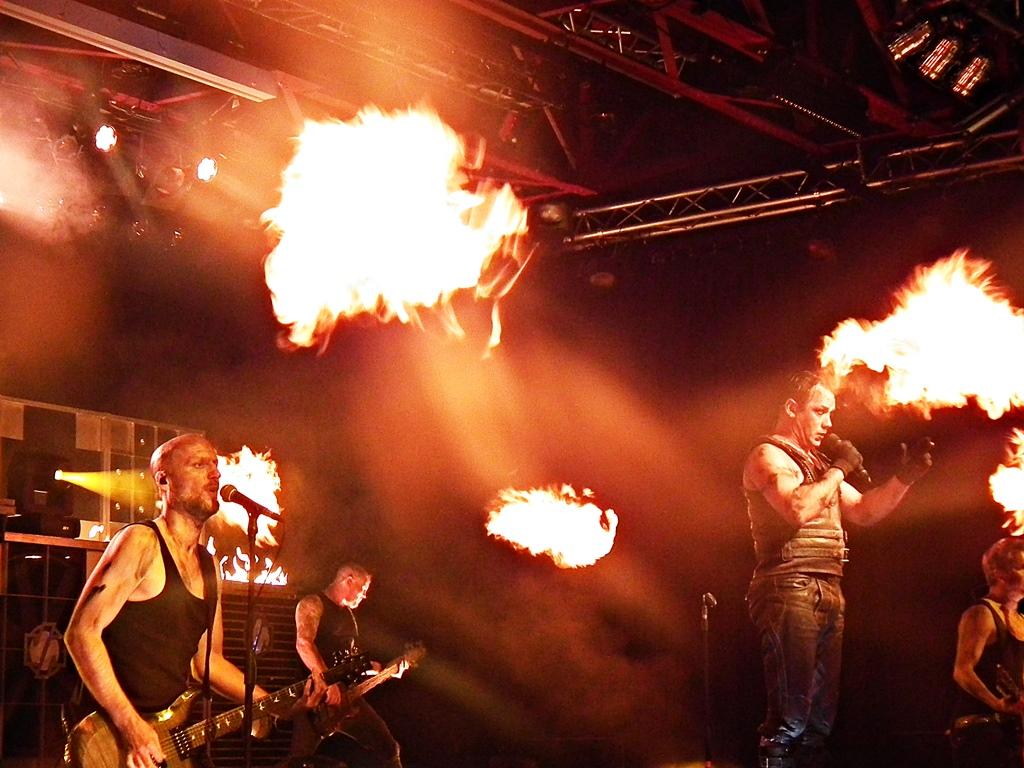Rammstein Tribute Band befeuerte das Kulturwerk