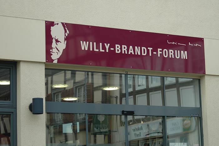 Gedenkveranstaltung zum 25. Todestag von Willy Brandt