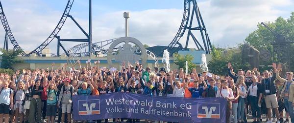 300 Westerw�lder Jugendliche besuchten Movie-Park in Bottrop